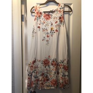 Floral dress, great spring piece.